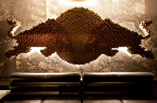 Holz-Kunstwerk mit Hintergrundbeleuchtung